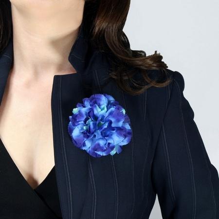 Ansteckblume Nelke blau